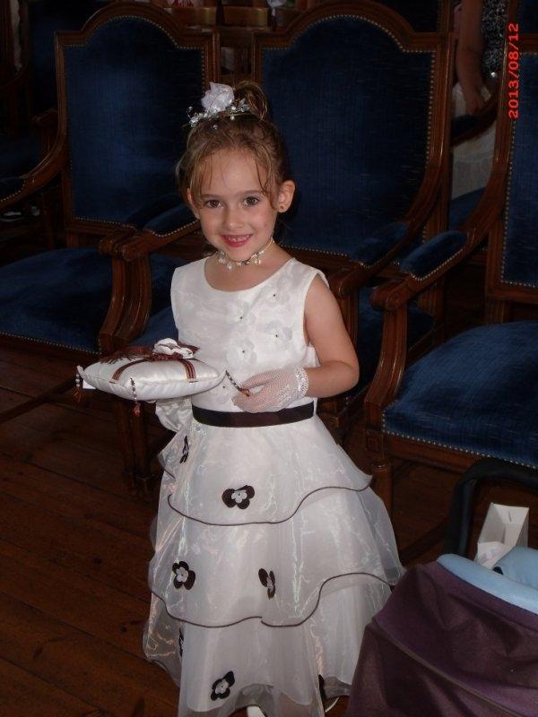 notre princesse qui nous amenes nos alliances trop belle