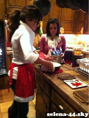 25/12/10 : Une petite photo postée par Selena sur son Twitter.
