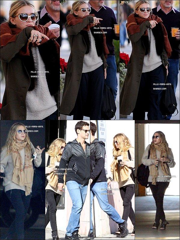 *   Ashley visite Gearys avec quelques amies a Beverly Hills le 30/12/10   * Ashley & Justin sortant faire du shopping dans Hollywood le 4/01/11   *