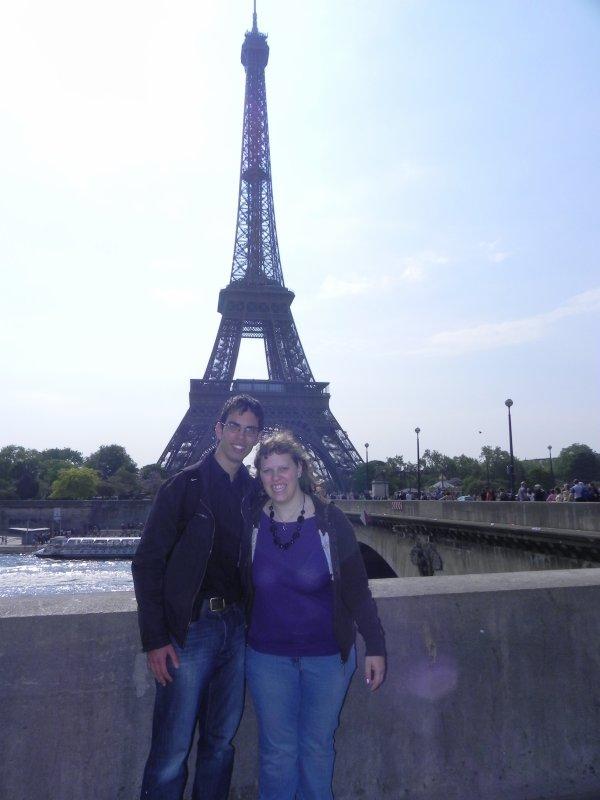 Sydney et moi devant la tour eiffel