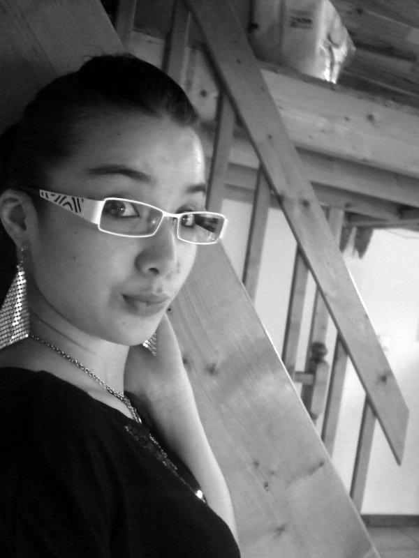 Mes Nouvelle lunette et Moi ^^ :) Bon j'ai groossii Mais c Pa grave HEIIN ?? :)