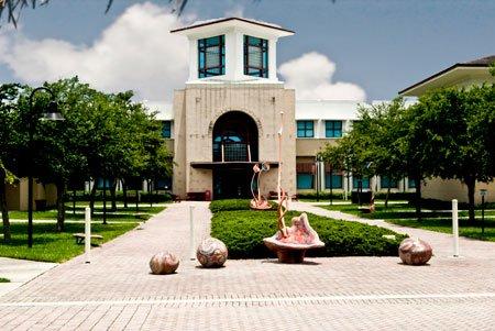 Bienvenue à la très réputée Université de Floride.