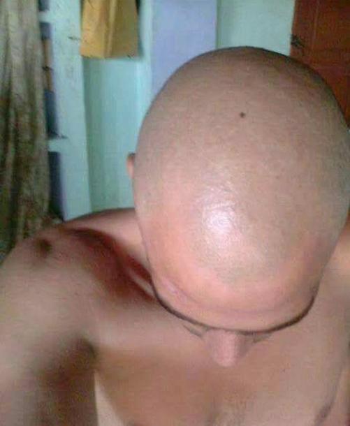 Montrer sa tête bien rasée