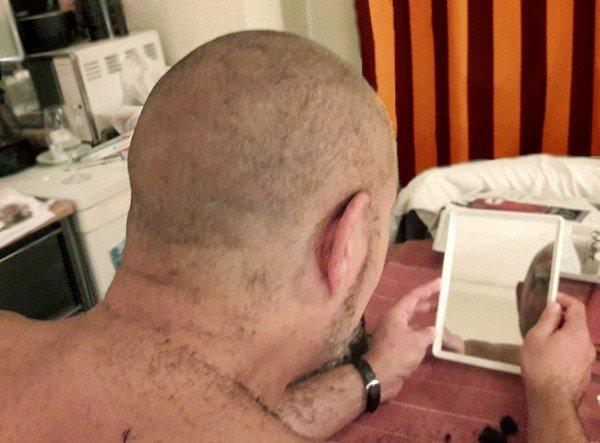 Bon mec rasé ras