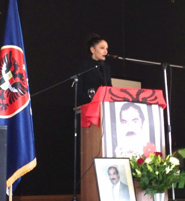 DIVA ADELINA ISMAILI  Shfaqet në Akademinë Perkujtimore te Heroit të Kombit  Kolonel AHMET KRASNIQI