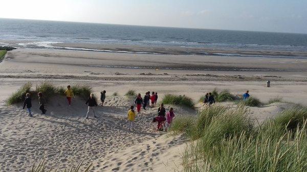 Fin de journée magique 😍 en pyjama sur la plage 💖