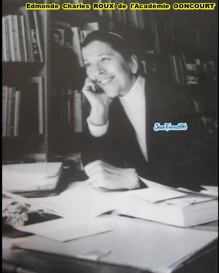 Edmonde Charles ROUX de l'Académie GONCOURT abonde de compliments envers Jean FERRAT