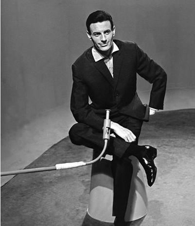"""Jean FERRAT sur le plateau de """" Rendez-vous avec """"  (Juin 1962)"""