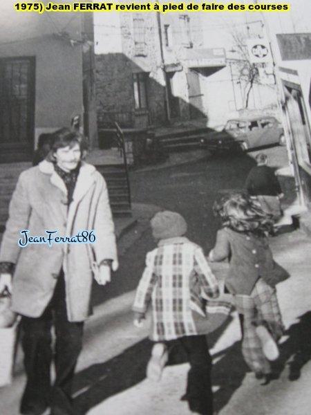1975)  Jean FERRAT revient à pied de faire des courses