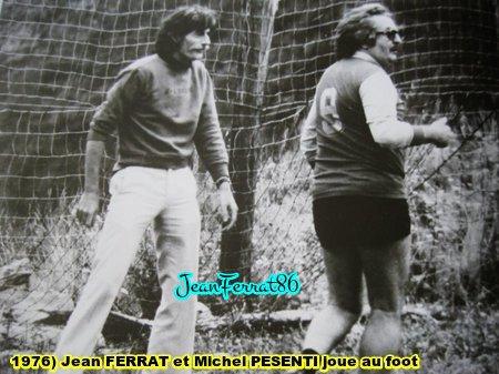 1976) Jean FERRAT et Michel PESENTI joue au foot