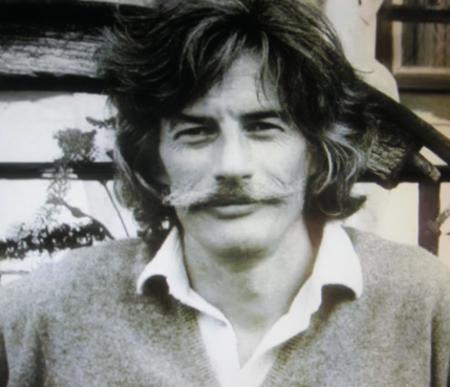 1975)  Portrait de Jean FERRAT