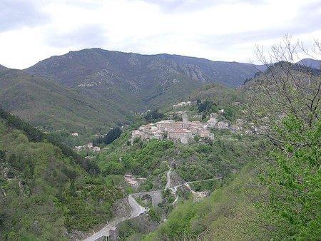 """Son village Ardéchois """" Antraigues-sur-Volane """""""
