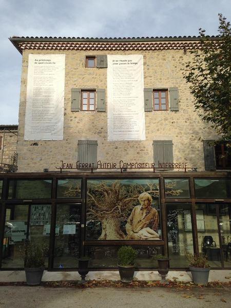 2015) Maison Jean FERRAT vue de l'extérieur
