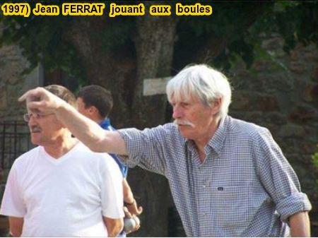 1997)  Jean  FERRAT  jouant aux boules