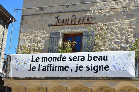 "2015)  Maison    "" Jean FERRAT  """