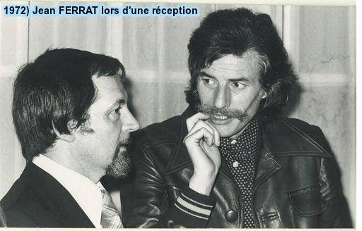 1972)  Jean FERRAT lors d'une réception