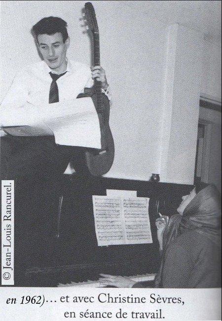1962)  Jean FERRAT et Christine SEVRES  en séance de travail