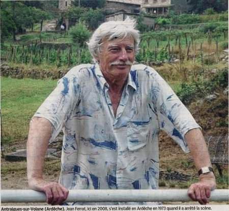 2003) Jean FERRAT dans son village à Antraigues