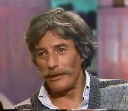 """1985) Jean FERRAT dans l'émission  """" La chance aux chansons """" de Pascal SEVRAN sur France3"""