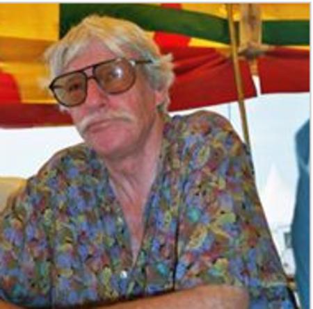 2003) Jean FERRAT  AU CONGRES ALTERMONDIALISTE le 9 août 2003 A L'HOSPITALET DU LARZAC (12230)