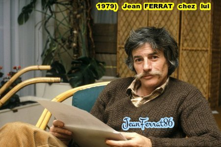 1979)  Jean  FERRAT chez lui