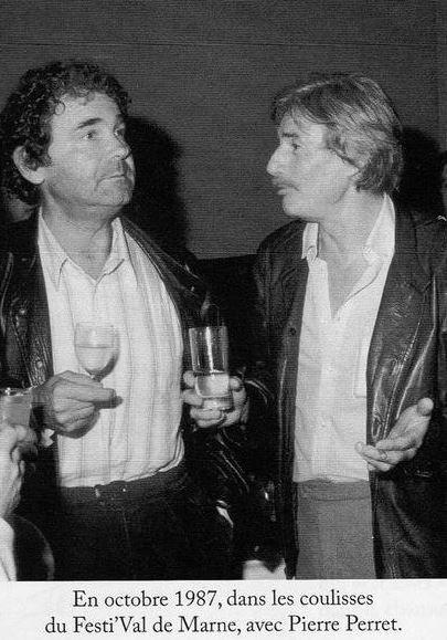 1987)  Jean FERRAT et Pierre PERRET dans les coulisses du Festi'Val deMarne