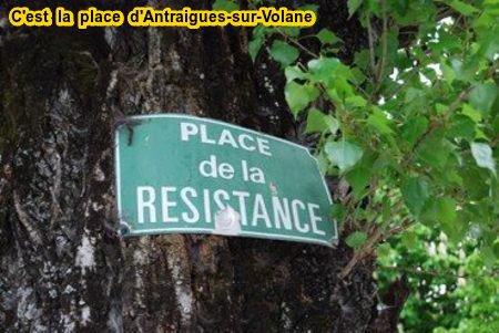 2015)  PLACE DE LA RESISTANCE - c'est la place du village d'Antraigues-sur-Volane où habitait Jeran FERRAT