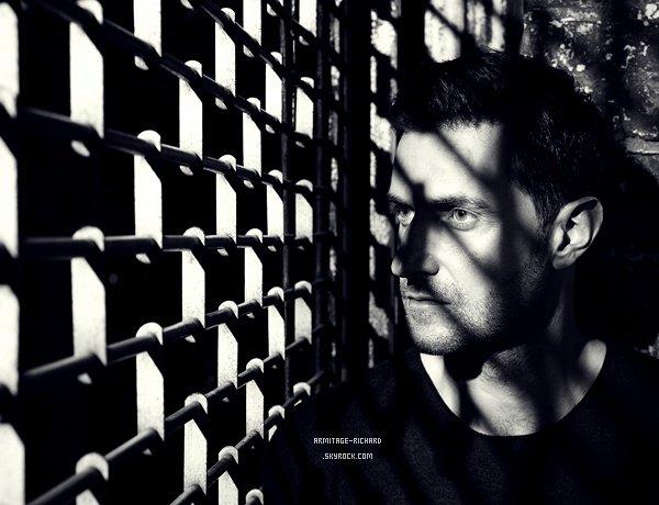 • Trois nouvelles photos de Richard viennent d'apparaître issues de photoshoot (2012) réalisés par le photographe britannique Robert Ascroft.   Un gros coup de coeur sur ces trois photos qui sont juste magnifiques. Ma favorite reste la première.