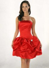 Red Dress Pick-Up Buttom cocktail en satin