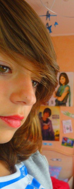 Quand tout devient silence lorsque le jour est fini, Que mes rêves commencent, alors je pense à lui .. ♥