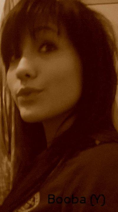 Je suis à la recherche du bonheur et je sais que tout ce qui brille n'est pas forcément d'or.