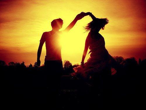 Aimer quelqu'un, c'est avoir besoin de lui. C'est supporter ses défauts, parce que d'une certaine manière, il vous complète.