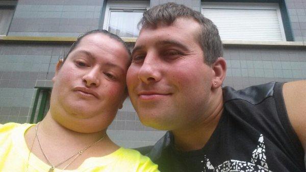 C'est moi avec mn cousin damour que jaime de tou mn coeur