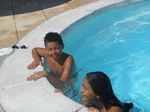 Mn cousin et ma cousine