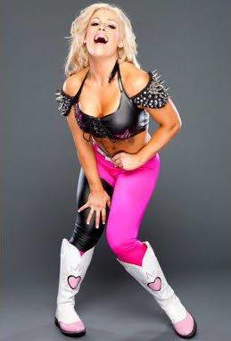 """Voici """" Natalya Neidhart """" La Divas"""