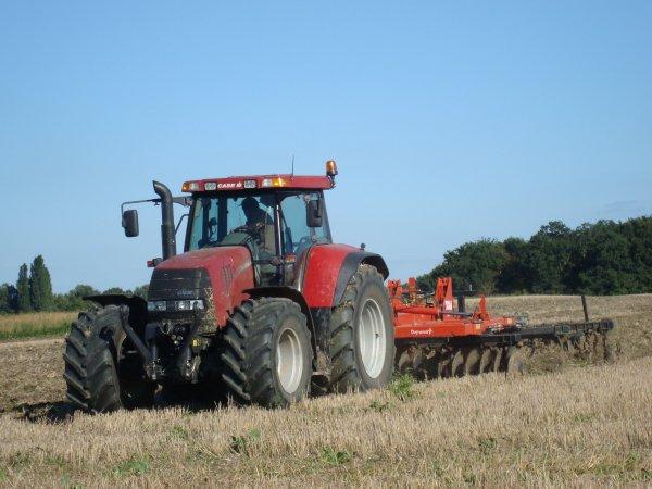 Déchaumage de paille de blé tendre dans le 45 2010