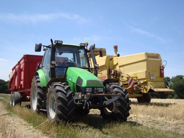 Moisson de blé tendre chez mon voisin 2011