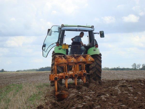 Labours pour semis de colza chez mon voisin 2011