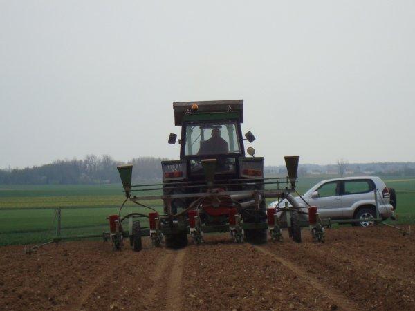 Semis de maïs 2012 dans le 45