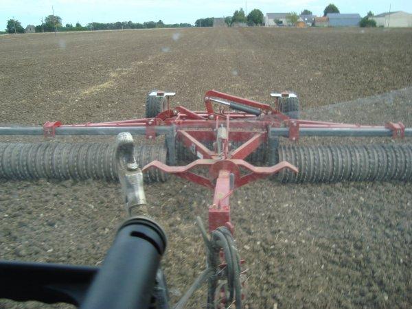 Préparation des terres à colza 2012 chez mon voisin