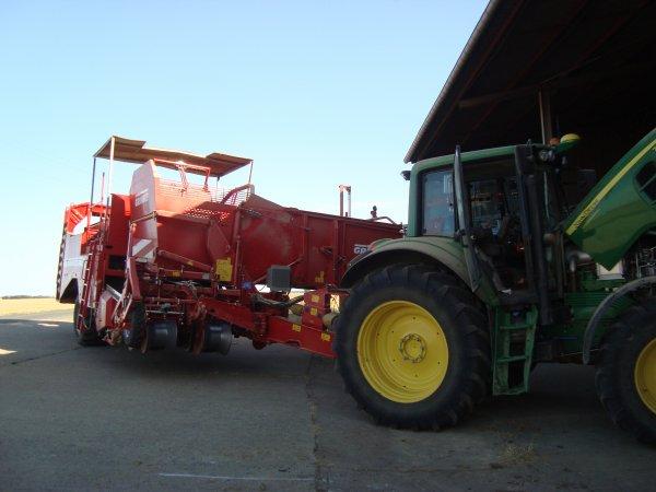 Arrachage de pommes de terres dans le 45 2012