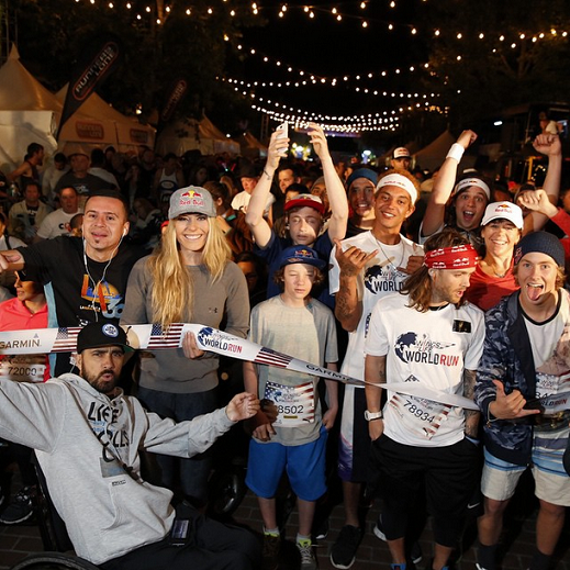"Lindsey donne le départ du ""Wings for Life World Run"" en Californie!!!"