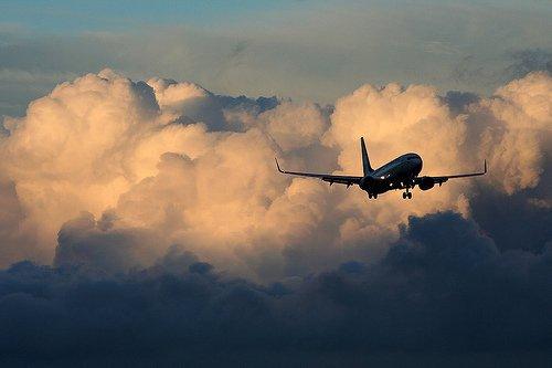 « Le voyage est une espèce de porte par où l'on sort de la réalité comme pour pénétrer dans une réalité inexplorée qui semble un rêve. »