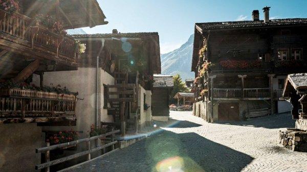 """Le village de Grimentz et notre chalet """"Le Bouquetin"""""""