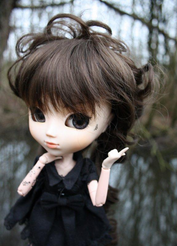Des poupées dans la nature ~