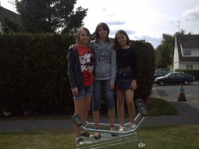 Mi Hermana y Yo y Ma Prima :)