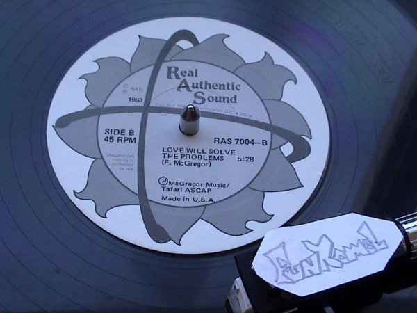 "‌Freddie McGregor  "" love we solve the problems "" 12"" US .........TUERIE!"