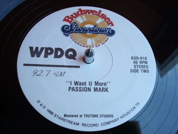 "JOHN VAUGHAN ""in your eyes"" / PASSION MARK ""i want u more""  12"" US..BUDWEISER.....EXCELLENT!"