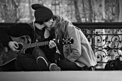 On a pas besoin d'un conte de fée, on a juste besoin de quelqu'un avec qui on est bien.