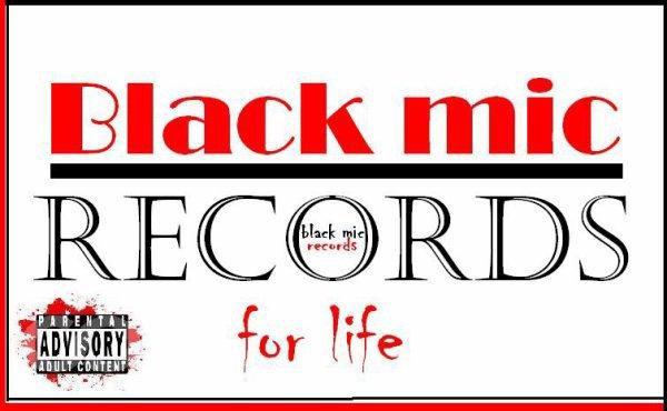 black mic